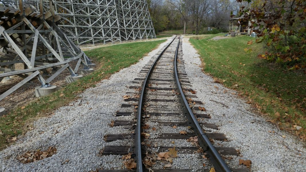 old railroad that needs maintenance at World's of Fun